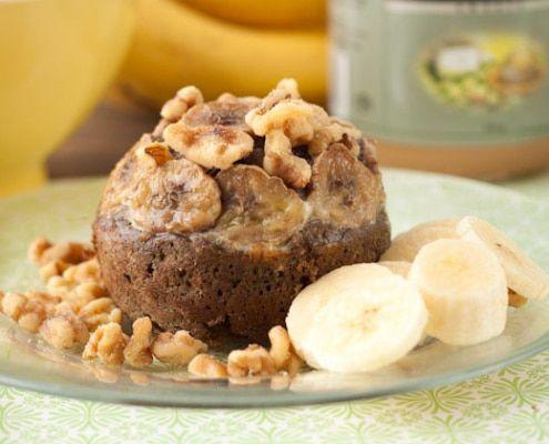Tarta proteica de plátano, yogur y crema de cacahuete