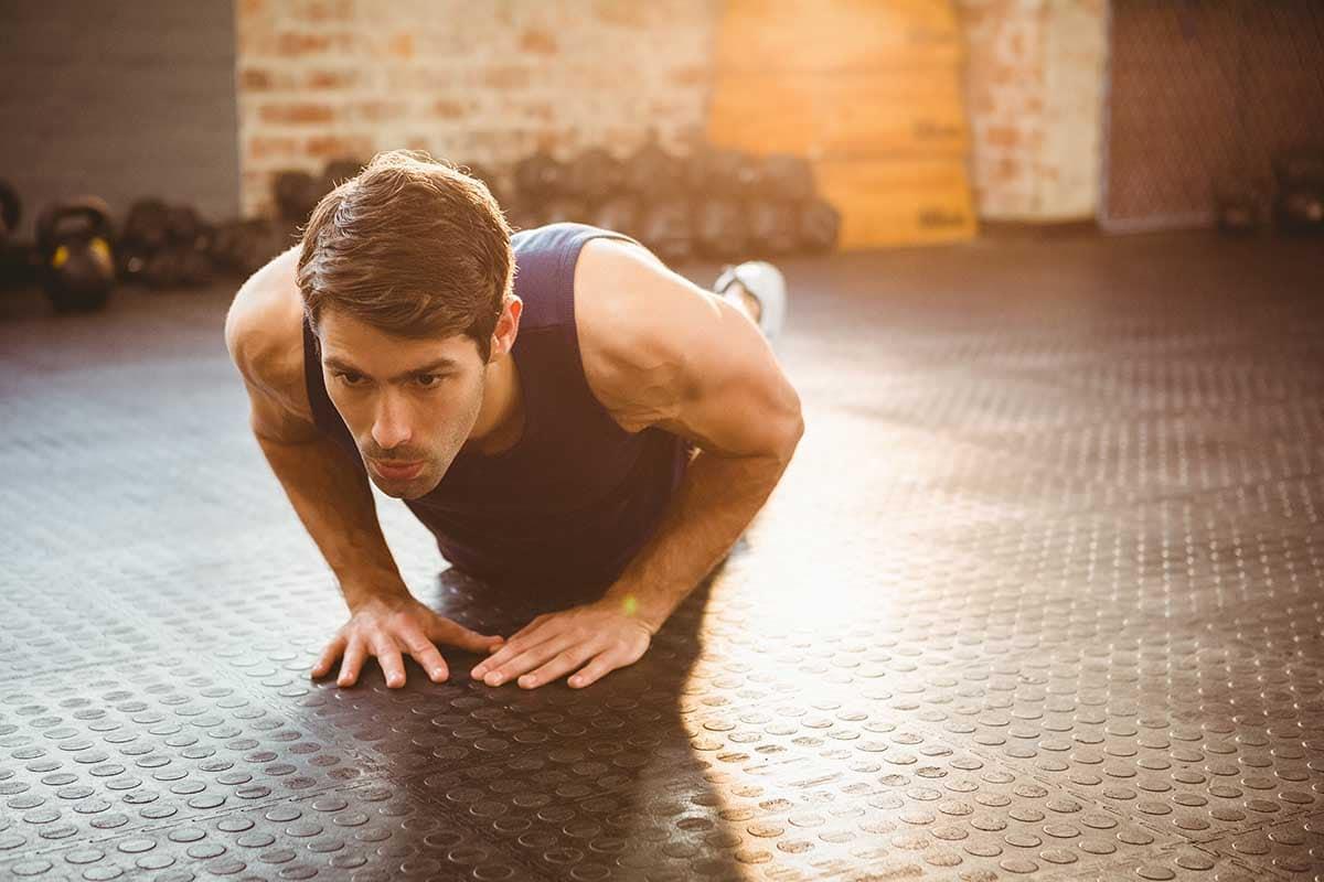 6 ejercicios de brazos sin material