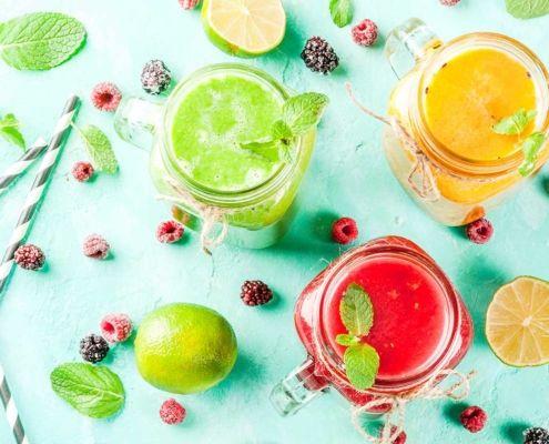 Batido de proteínas, frutas y verduras