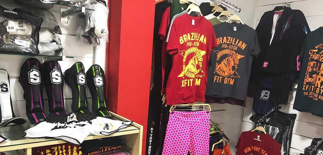 Tienda de material deportivo para artes marciales y deportes de contacto en XFit Barcelona