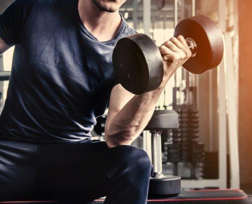 Razones por las que tus bíceps no crecen
